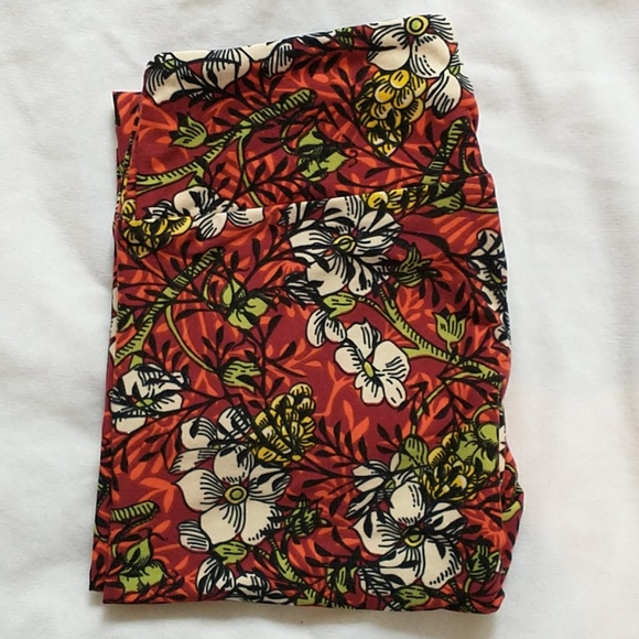 Lularoe OS Leggings 1/$10 or 3/$25